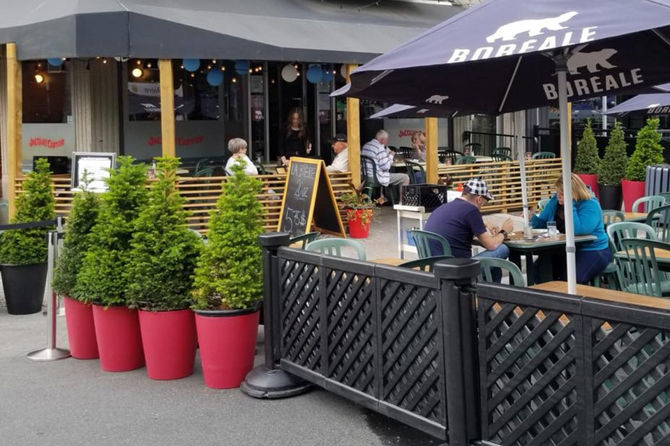 terrasse-Jacques_Cartier_Pizza